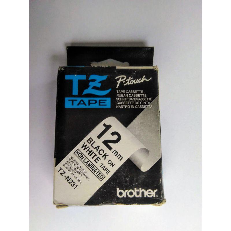 Brother 12 mm zwart op witte tape - niet gelamineerde tape